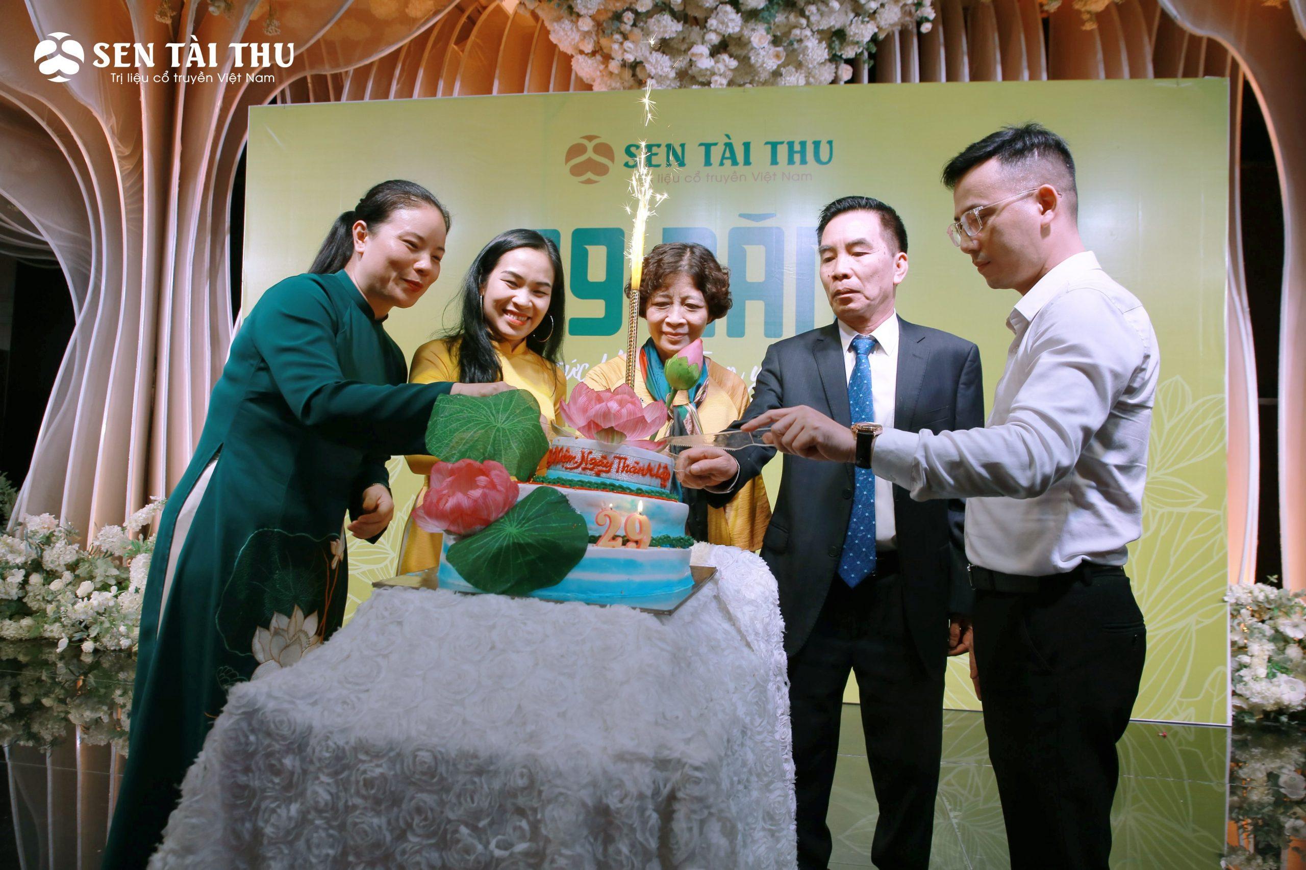 Tập Đoàn Sen Tài Thu Việt Nam - Hành trình 29 năm - 1